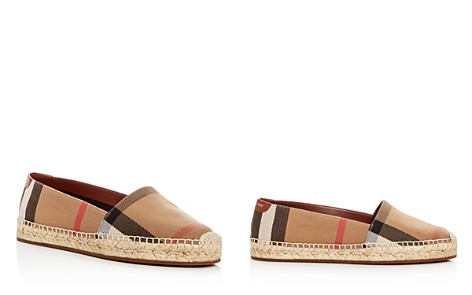 Burberry Flat Shoes Buy Cheap Supply New Cheap Price ChXRz
