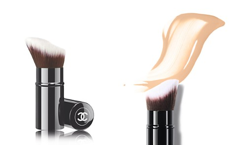 CHANEL PINCEAU FOND DE TEINT RÉTRACTABLE Foundation Brush - Bloomingdale's_2