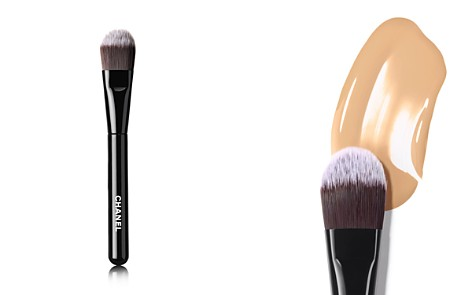 CHANEL LES PINCEAUX DE CHANEL Foundation Brush - Bloomingdale's_2