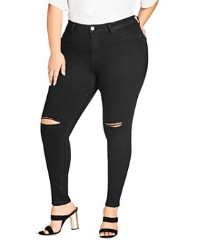 City Chic Plus - Simple Ripped Knee Skinny Jeans in Black