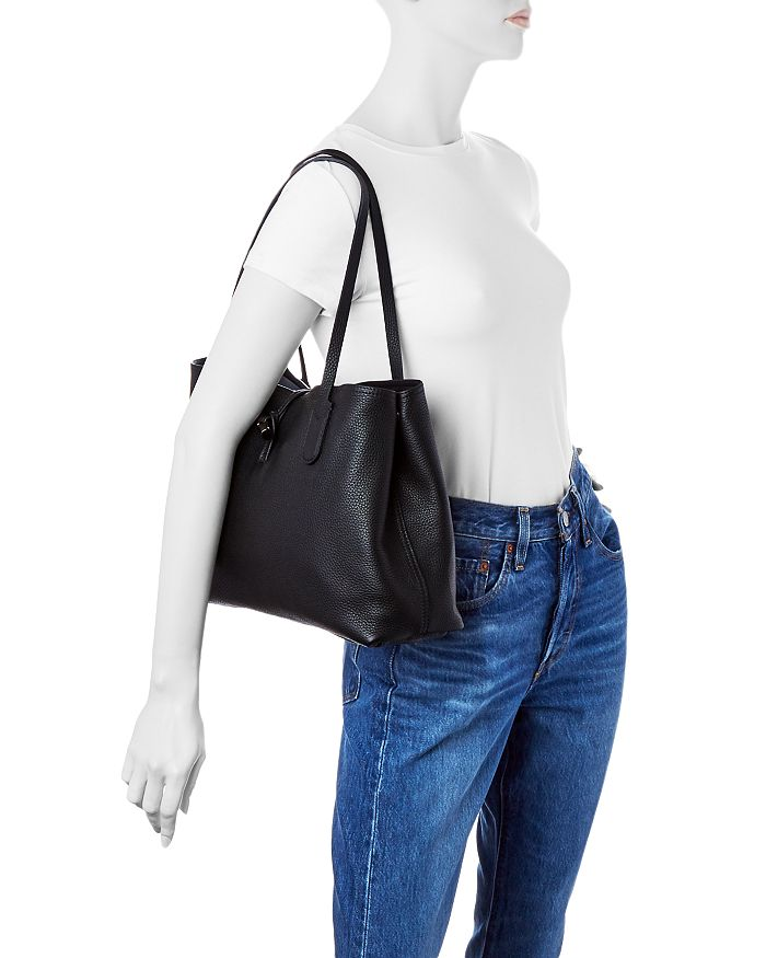 5cbe9f0398e2 Longchamp - Roseau Essential Medium Leather Shoulder Tote
