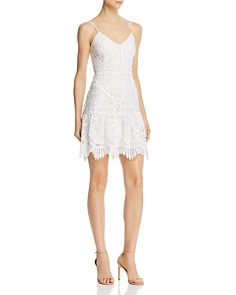 BB DAKOTA - Scalloped Lace Dress