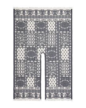 Echo - Frayed Bandana-Pattern Ruana