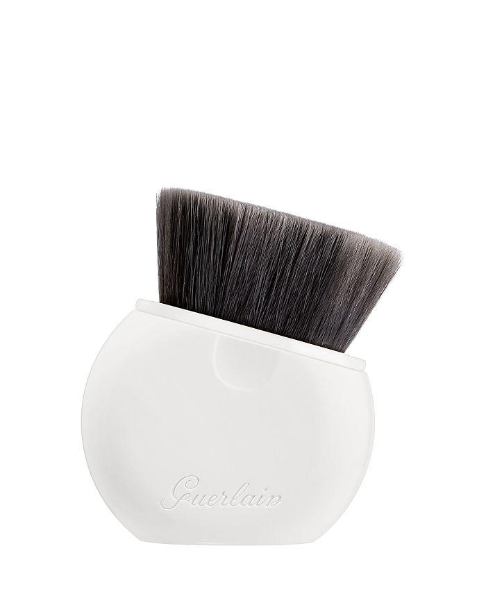 Guerlain - L'Essentiel Retractable Foundation Brush