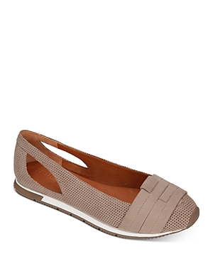 Gentle Souls by Kenneth Cole Women's Luca Perforated Flats