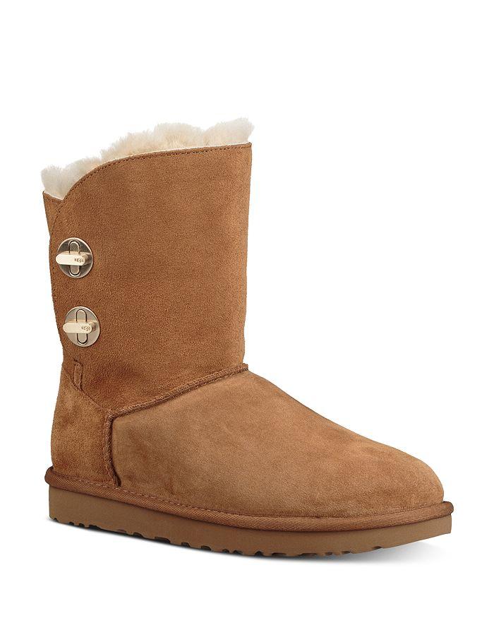 UGG® - Women's Short Turnlock Boots