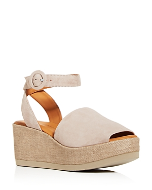 Andre Assous Women\\\'s Klarita Wedge Platform Sandals