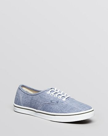 Vans Unisex Flat Lace Up Sneakers - Authentic Lo Pro Chambray ... 4b2354a902