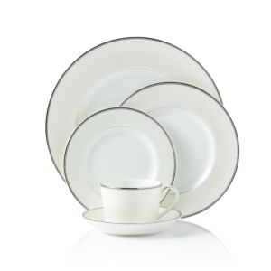 Monique Lhuillier Waterford Pointe D'esprit 5 Place Piece Setting