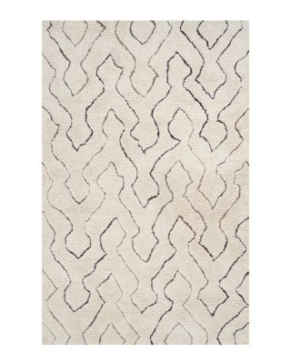 Casablanca Collection Area Rug, 4' x 6'