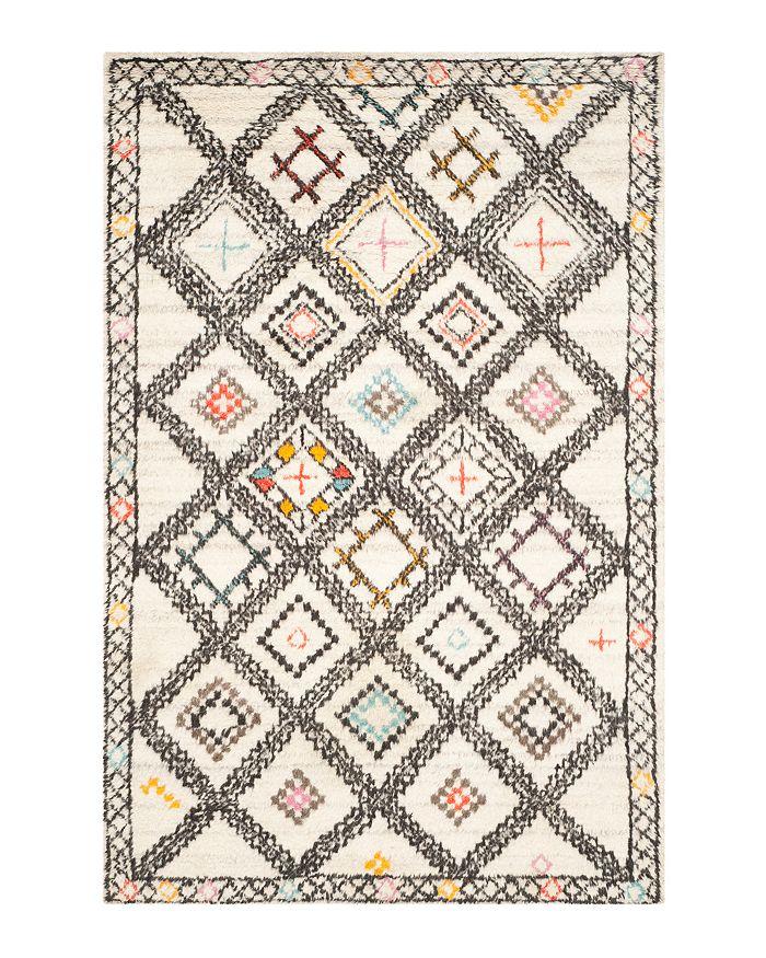 SAFAVIEH - Kenya Rug Collection