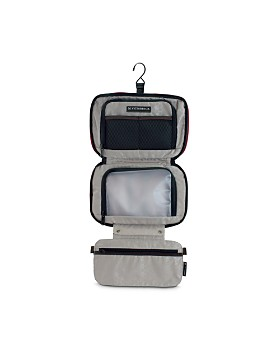 Victorinox Swiss Army - Lifestyle Accessories 4.0 Zip-Around Travel Kit