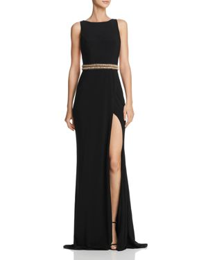 MAC DUGGAL High-Neck Sleeveless Embellished Jersey Gown W/ Chain & Rhinestone Accent in Black