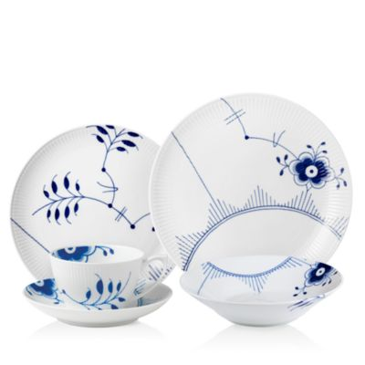 Blue Fluted Mega Coupe Dinner Plate