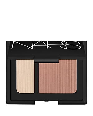 What It Is: The ultimate tool for perfecting your sculpt, contour and highlight technique. What It Does: Seamlessly create natural-looking dimension for the face with Contour Blush. A deeper shade enhances definition while the lighter shade illuminates the highpoints of the face, providing a lightweight luminous finish. - Multi-layered contouring powder creates visual depth and dimension by diffusing and controlling the reflection of light - Photochromic Technology adjusts to the surrounding lig