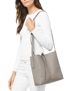 MICHAEL Michael Kors - Junie Large Leather Messenger