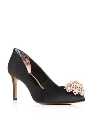 Women'S Dahrlin Embellished Satin Pointed Toe Pumps in Black Satin