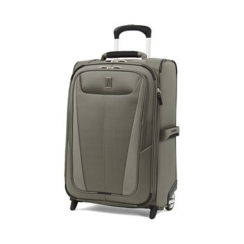 "TravelPro - Maxlite 5 22"" Expandable Carry On Rollaboard"
