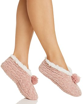Cejoli - Cable Knit Chenille Pom-Pom Slippers