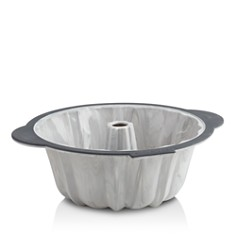Trudeau - Structured Silicone 10-Cup Fluted Marble Cake Pan