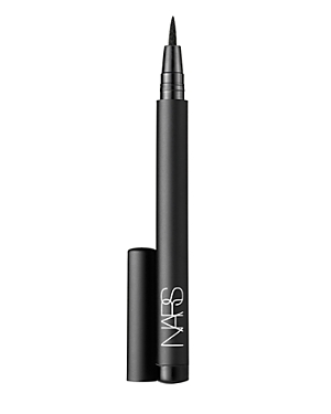 What It Is: A high-intensity felt-tip liquid eyeliner pen that lasts for up to 24 hours. What It Does: The super-fine precision tip of this modern liquid liner ensures a flawless, even line with just one stroke. Versatile application for a variety of looks and precise, high-intensity color for up to 24 hours of wear. Free Of. - Parabens How To Use It: For mistake proof lining, line eye with pencil or eyeshadow first to create an outline, then trace over with Eyeliner Stylo. To soften the line, a