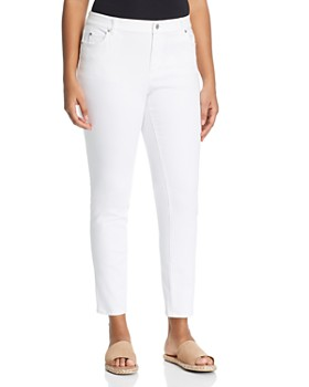 VINCE CAMUTO Plus - Straight Leg Jeans in Ultra White