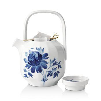 Royal Copenhagen - Blomst Tree Peony Teapot - 100% Exclusive