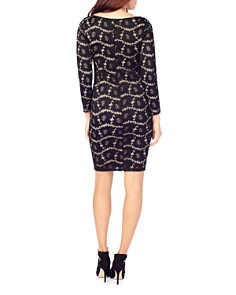 Ingrid & Isabel - Maternity Fitted Floral Lace Dress