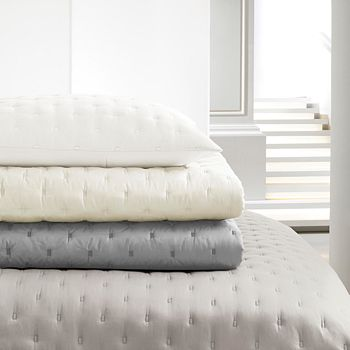 Vera Wang - Luster King Quilt