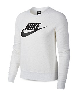 Nike - Essential Fleece Sweatshirt