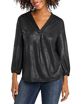 VINCE CAMUTO - Coated Ity V-Neck Top
