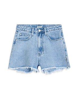 WeWoreWhat - The Boyfriend Denim Shorts in Light Blue Wash