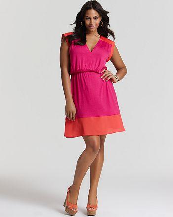 Love Ady Plus - Short Sleeve V Neck Trim Dress