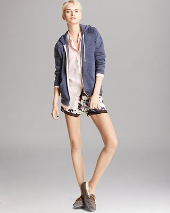 ALTERNATIVE - Hoodie, Dolce Vita Shorts & More