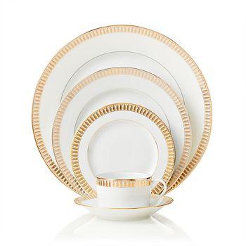 """Haviland - """"Plumes"""" Dinner Plate"""
