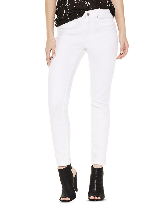 VINCE CAMUTO - Cropped Skinny Jeans in Ultra White