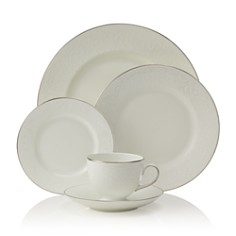 "Wedgwood - ""English Lace"" 5 Piece Place Setting"