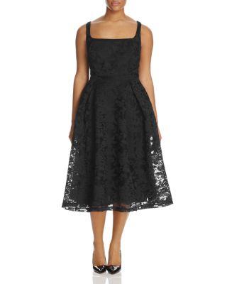 Trendy Plus Size Fit & Flare Midi Dress in Black