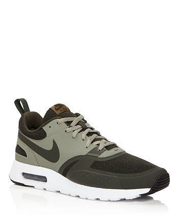Nike - Air Max Vision SE Low Top Sneakers
