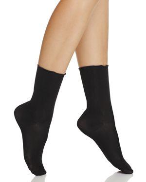 Hue Luster Ruffle Socks