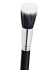 M·A·C - 187S Duo Fiber Face Brush