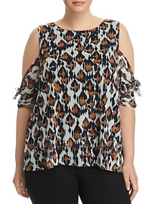 Love Scarlett Plus - Graphic Leopard Cold-Shoulder Top - 100% Exclusive