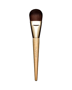 What It Is: A makeup artist-quality cat tongue-shaped flat brush designed with soft synthetic fibers that distribute foundation with smooth, even, streak-free results. What It Does: Perfect for blending all liquid, cream or powder foundations, concealer and primers. Sustainably-sourced birch handle.