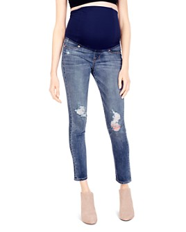 Ingrid & Isabel - Maternity Sasha Skinny Jeans in Distressed