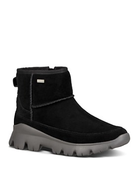 UGG® - Women's Palomar Leather Sneaker Booties