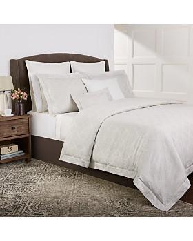 Designer Pillows Amp Throw Blankets Bloomingdale S