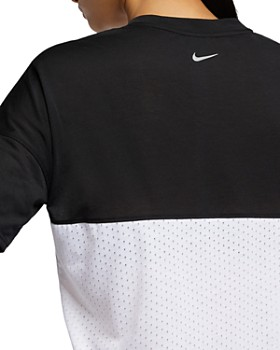 Nike - Tailwind Mixed-Media Slogan Top