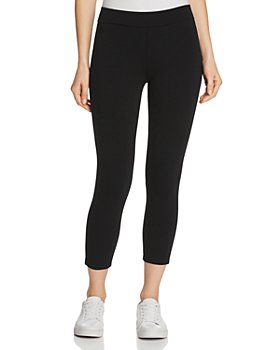 HUE - Wide Waistband Blackout Capri Leggings