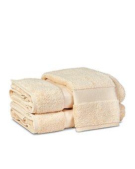 Matouk - Lotus Hand Towel