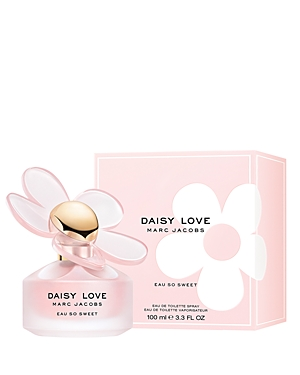 Key Notes: Sparkling white raspberries, florals, musk About The Fragrance: Daisy Love Eau So Sweet captures the addictive and irresistible spirit of Daisy Love with an unexpected sweet freshness. This fresh gourmand fragrance creates an enticing atmosphere that truly embraces its name. Sparkling white raspberries reveal a lustrous personality while a soft floral airiness and delicate musk immerse you in the sweetness of the moment.